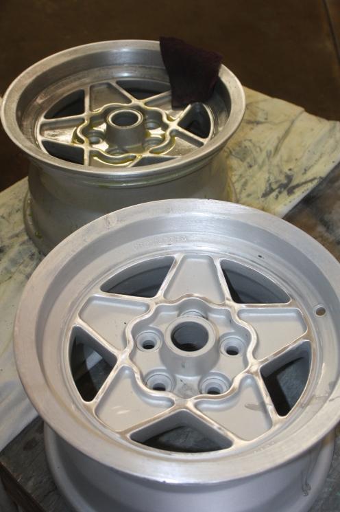Compare dark background wheel to etched wheel